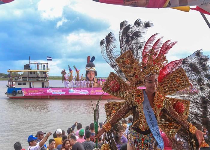 El desfile de barcos sobre las aguas del Río San Juan es una de las celebraciones más importantes