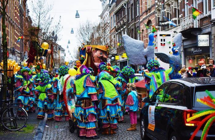 El desfile del carnaval de Maastricht es el mas esperado donde participan todos los lugareños y visitantes