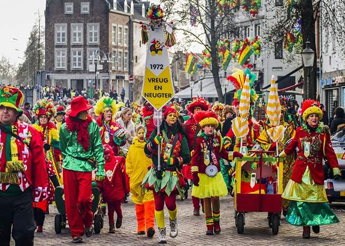 El desfile principal toma lugar el primer dia del carnaval de Maastricht
