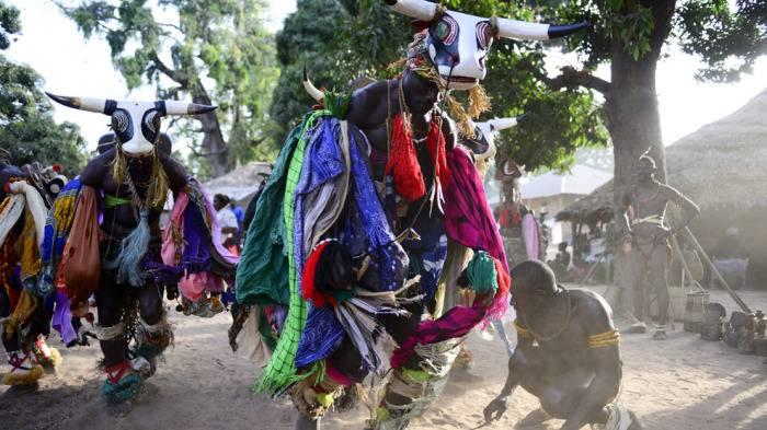 La fauna local se encuentra presente es las celebraciones del carnaval de Bijagós