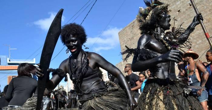 La mandinga es la ceremonia de los carnavales de Mindelo que rinde homenaje a los ancentros guerreros