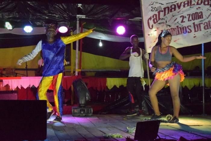 Las competencias de baile en Quelimane son el espectáculo principal durante los carnavales