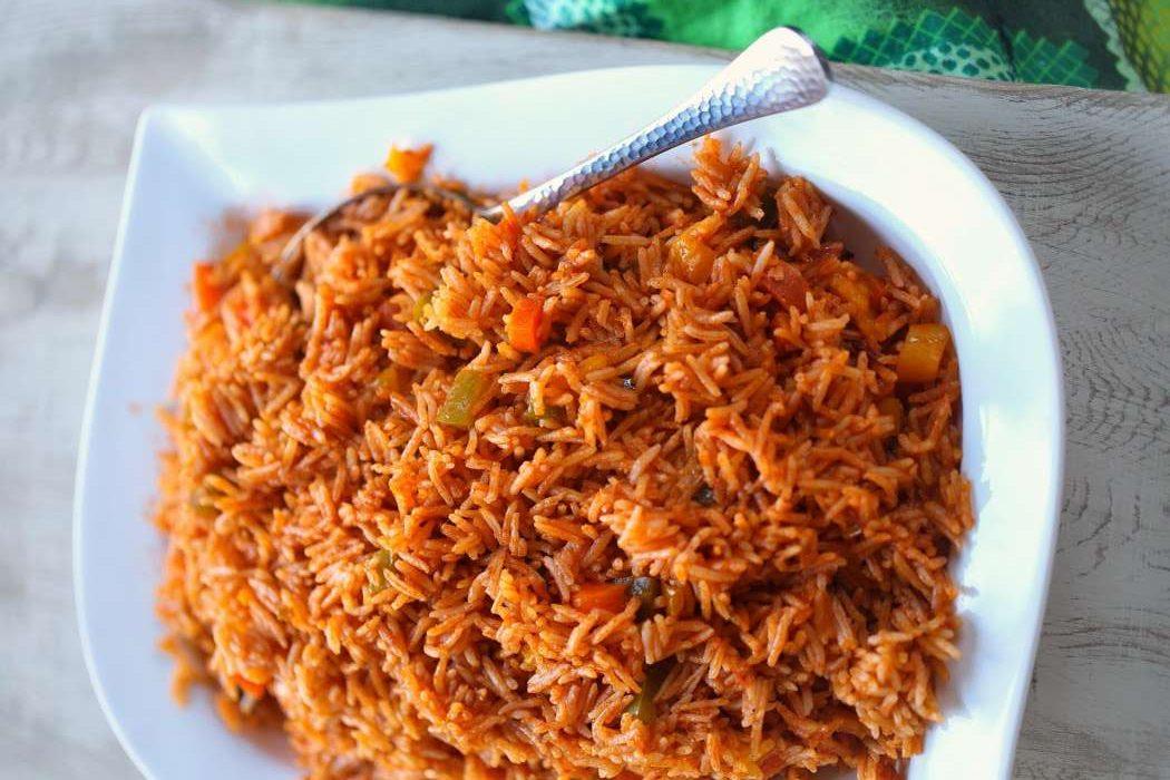 jollof es un arroz típico de la región durante los carnavales