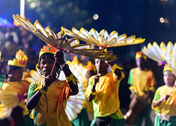 Los diferentes espectáculos se desarrollan durante el desfile del carnaval de Ciudad del Cabo