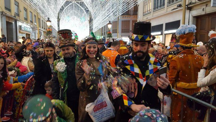 Durante la celebración de los carnavales de Málaga se lleva a cabo la batalla de las flores