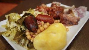 El Caldo Gallego es uno de los platos más típicos de Galicia