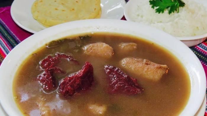 El Caldo de Cabío es una sopa típica