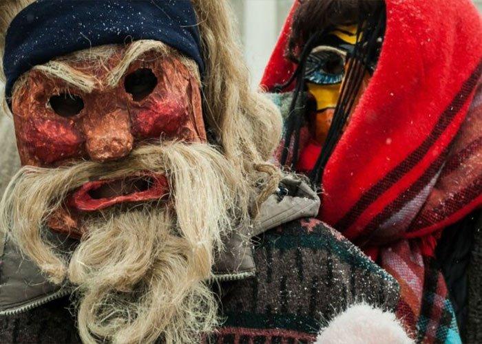 El Carnaval de Lituania o Užgavėnės es una tradición la cual se caracteriza por máscaras de aspecto peculiar y atmósfera satírica