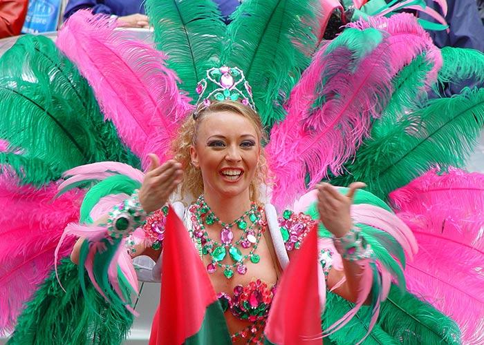 El Carnaval de Samba de Helsinki es una celebración que incluye diferentes elementos de la cultura brasileña en la capital de Finlandia