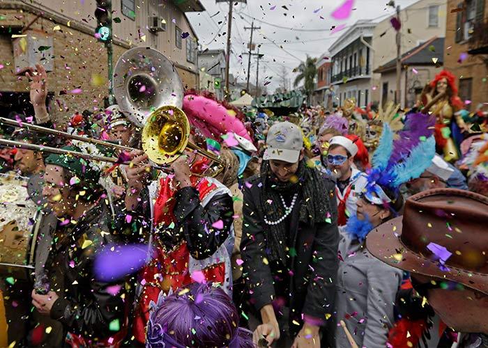 El Mardi Gras en Lake Charles es una celebración familiar donde las personas celebran con desfiles y música