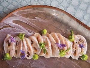 El Tiradito de abulón es una comida típica de Ensenada
