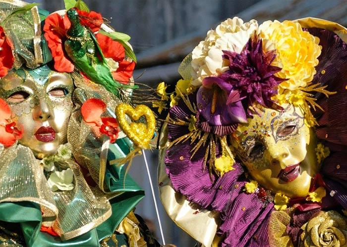 El carnaval de Cayena en Guayana Francesa es de gran importancia para el país y se constituye de varios personajes