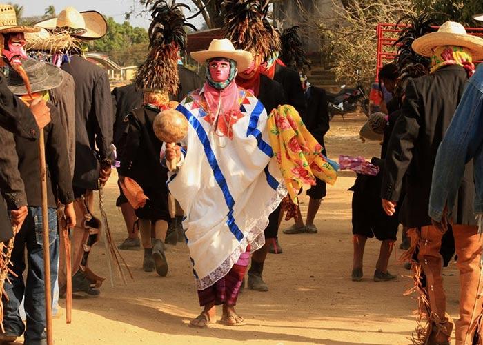 El carnaval de Pinotepa de Don Luis es una celebración llena de máscaras y bailes tradicionales