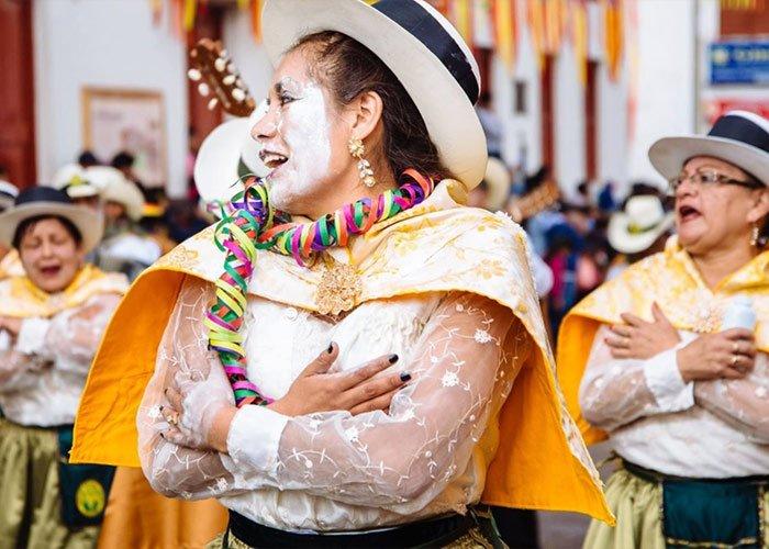 El carnaval de Pukllay es un espacio para que las diferentes agrupaciones del país y la región expresen sus tradiciones a través de la música y el baile