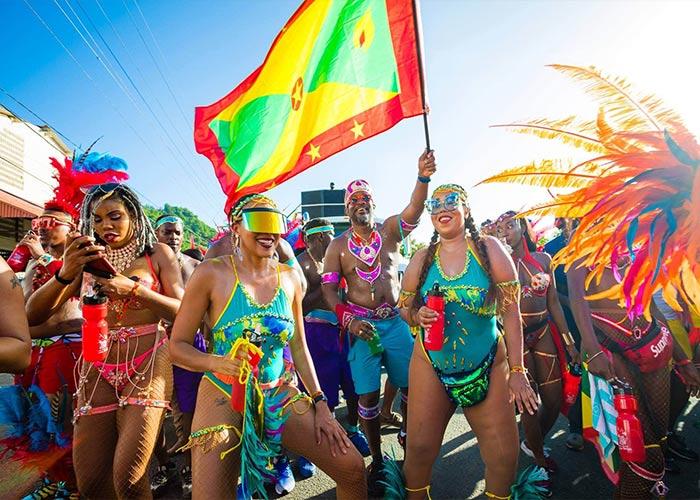 El carnaval de Spicemas se celebra como una conmemoración a la cultura e historia de Granada. La gente toma las calles fiesta y música