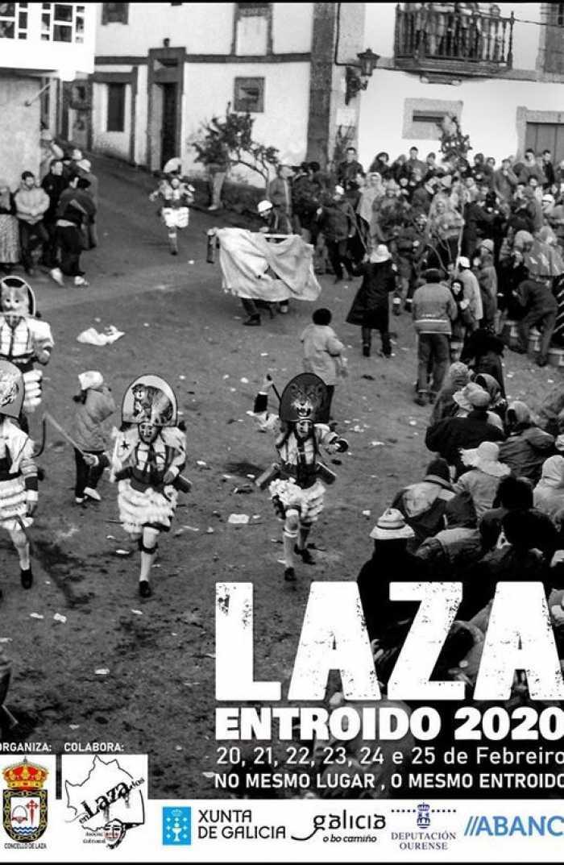 El desfile de carnaval de Laza recorre las calles con carrozas y la presencia de los peliqueiros