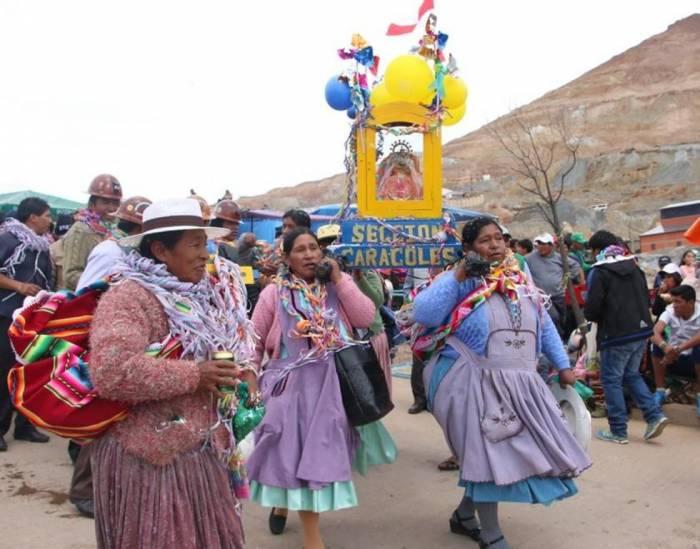 El desfile del carnaval de Potosí se lleva a cabo por la federación de mineros o familiares