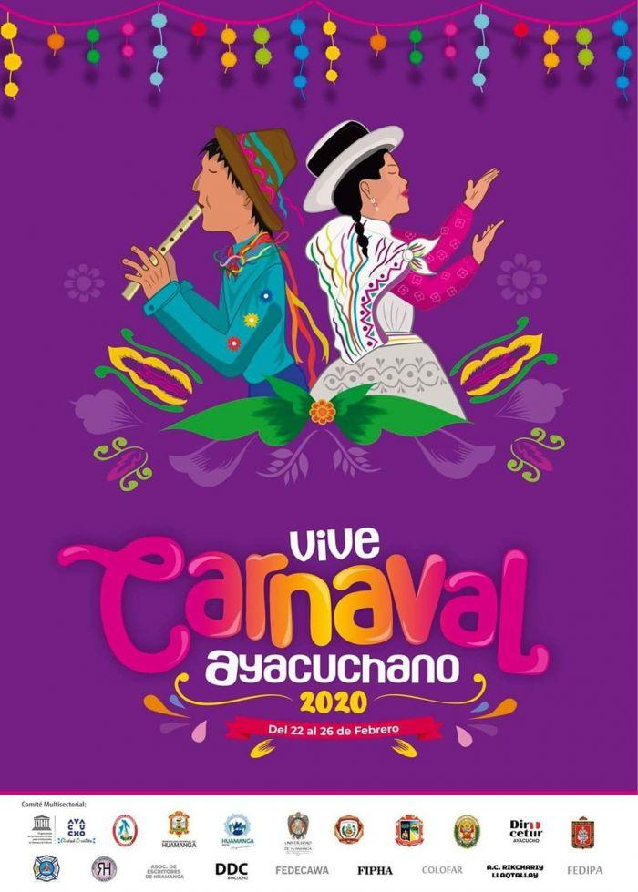 El gran desfile del carnaval de Ayacucho se lleva a cabo en el Centro Historico donde las comparsas visten de prendas tipicas y llenas de colores