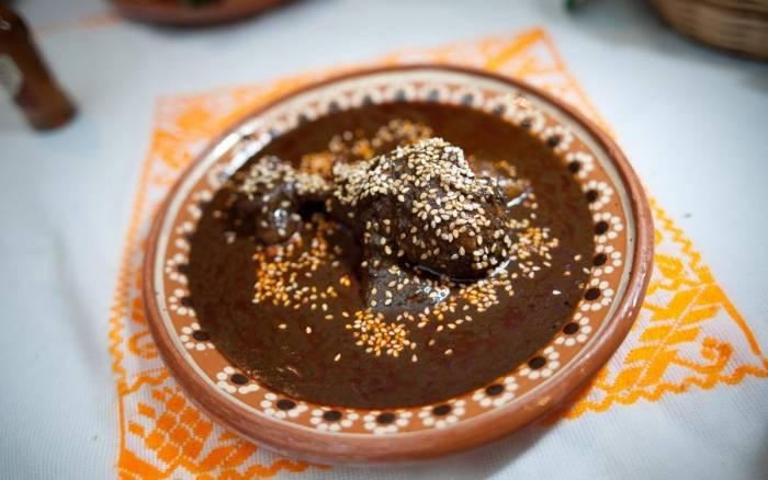 El mole poblano es uno de los platos típicos de Puebla