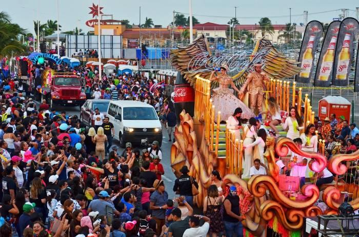 El sábado de bando es uno de los eventos más esperado en el carnaval de Campeche