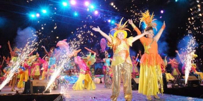 En el carnaval de Campeche se realizan coronaciones de Reyes a varios sectores de la sociedad