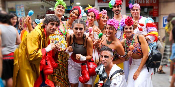 En los carnavales de Verano de Redondela las personas visten el disfraz que prefieran