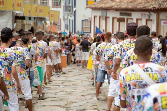 Hay más de 50 blocos en la ciudad de Diamantina durante los carnavales para alegrar las fiestas