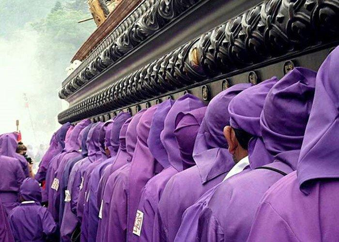 La Semana Santa en La Antigua es una ceremonia de profundo respeto y devoción católica