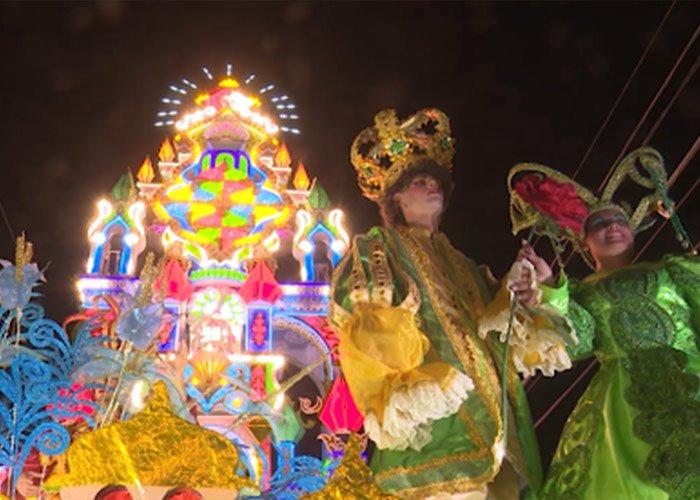 Las Parrandas de Punta Alegre es una celebración de 100 años, la gente la celebra con grandes carrozas y bailes