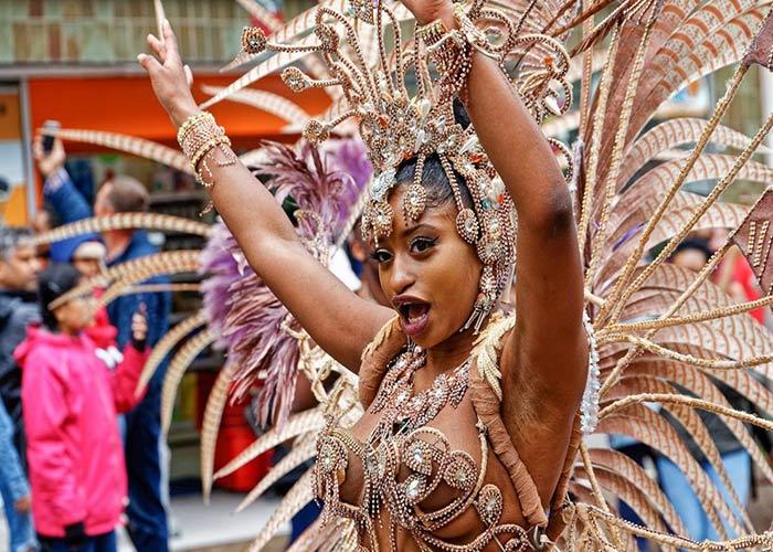 Las calles de Northampton se llenan de música y tradición caribeña y afro descendiente durante los carnavales