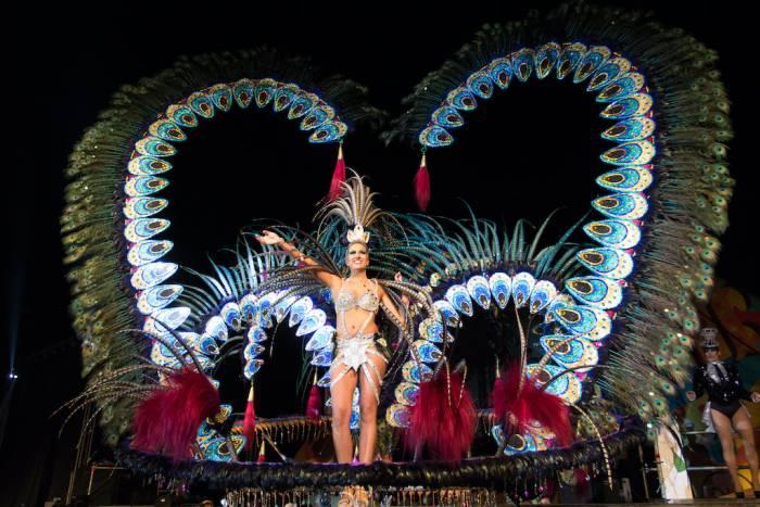 Las galas de reinas y reyes es uno de los acontecimientos más esperados de los carnavales de Vinaròs