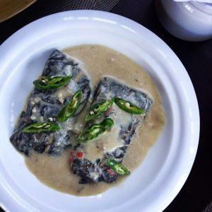 Linapay son platos de hojas de taro rellenas de camarón