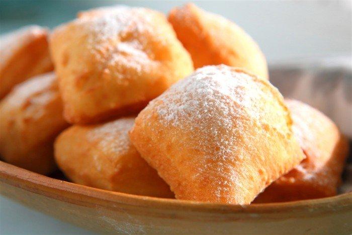 Los Beignets de Stavelot son dulces de la región. Son masa fritas y espolvoreadas de azúcar