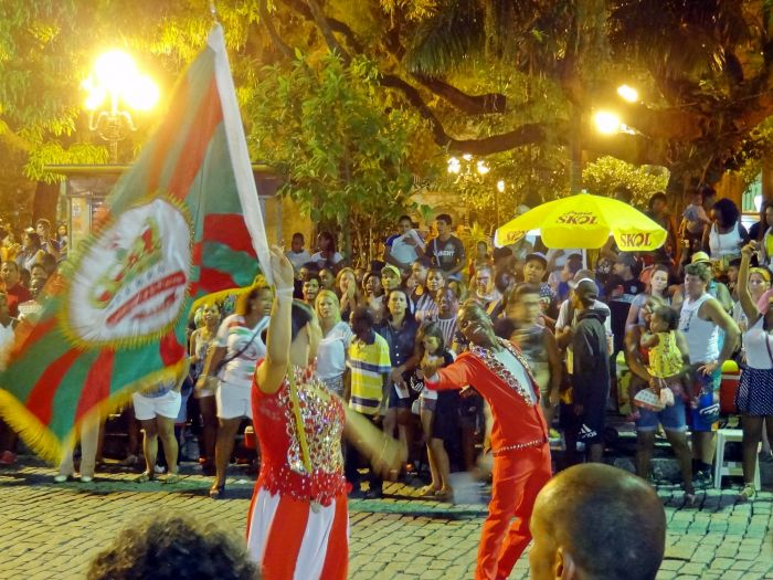 Los blocos toman las calles de Florianópolis durante los carnavales