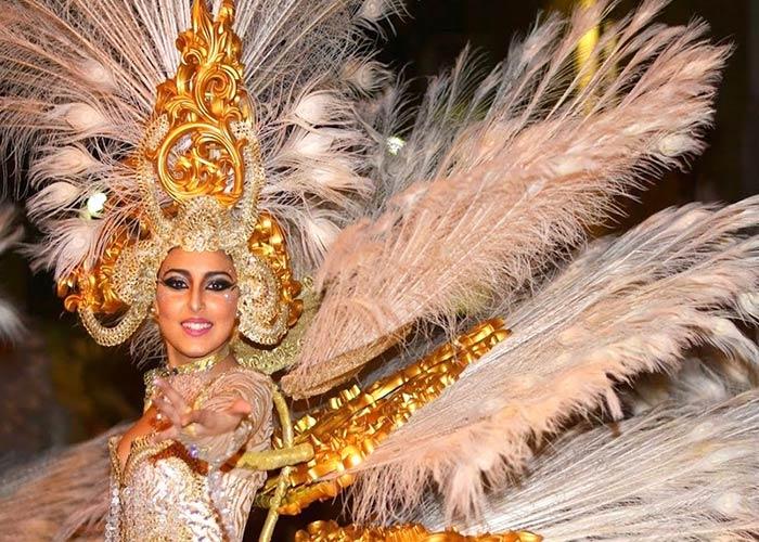 Los carnavales de Águila es uno de los más emblemáticos del país. Las comparsas visten trajes vistosos y recorren las calles principales de la ciudad