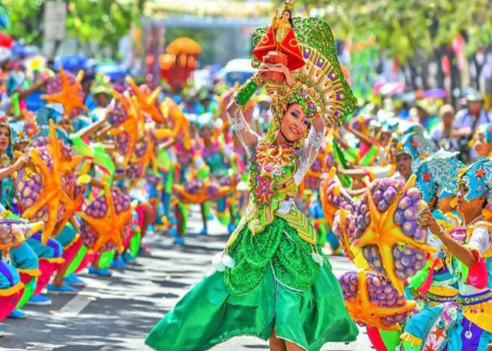Los carnavales de Ha Long se componen de una mezcla de cultura, naturaleza y espectáculos visuales que los hacen únicos en el mundo
