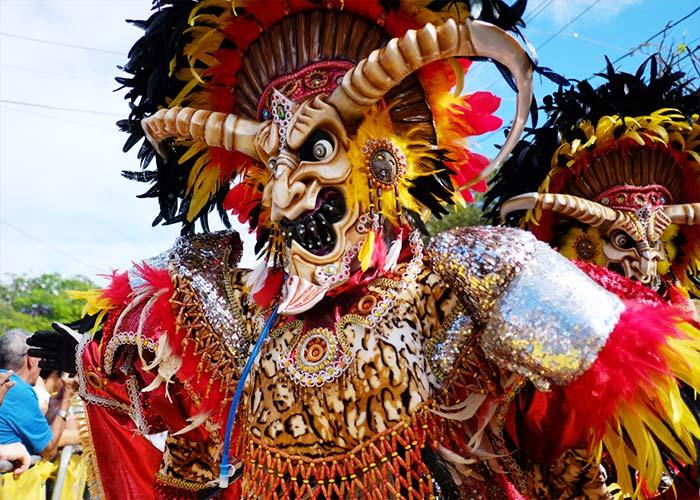 Los carnavales de Santo Domingo mezcla tradiciones europeas, africanas y dominicanas