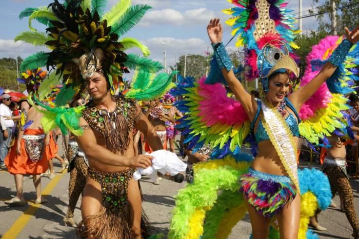 Los desfiles del Carnaval de Mérida se llevan a cabo en el recinto Ciudad Carnaval