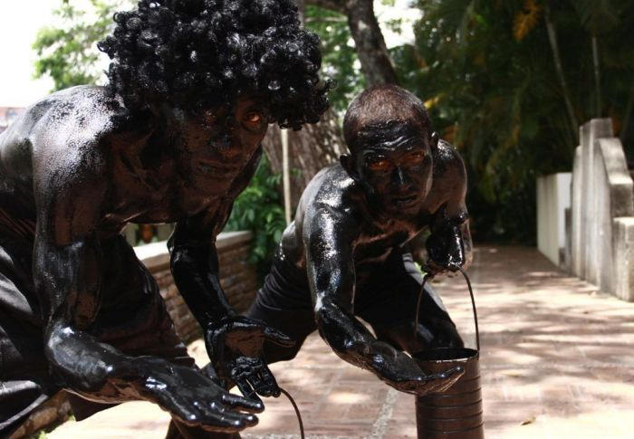 Los negropintos son personajes característicos del carnaval del Callao