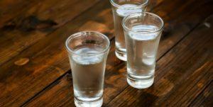Pájaro azul es una bebida típica durante los carnavales, es aguardiente de la región
