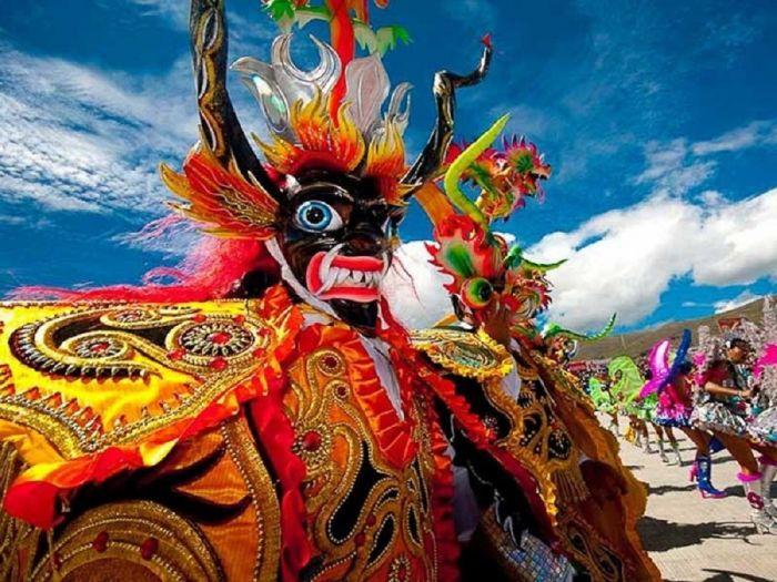 Se realizan competencias de los diferentes tipos de bailes en la Fiesta de la Virgen de la Candelaria de Puno