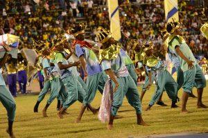 Se realizan presentaciones de baile durante el Festival de la Independencia en Jamaica