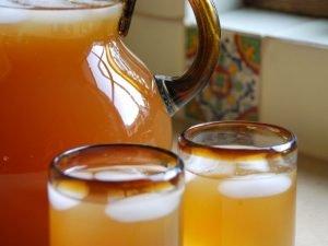 Tepache es una bebida tradicional durante el carnaval de Pinotepa de Don Luis