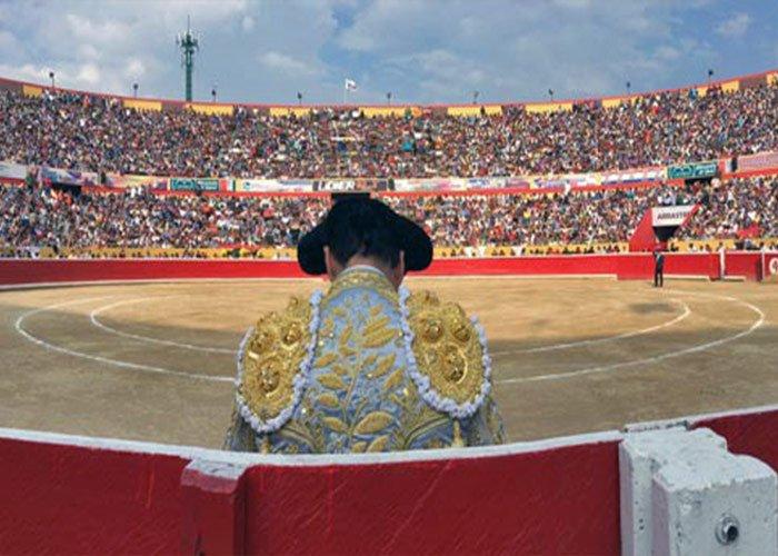 Todos los días de los Carnavales de la Feria Internacional del Sol en Mérida se realizan corrida de toros