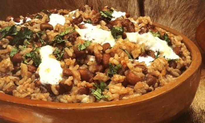 baião de dois es un plato típico de la zona con arroz, frijoles y queso