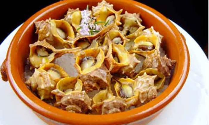 cargols de punxa son un plato típico de la región