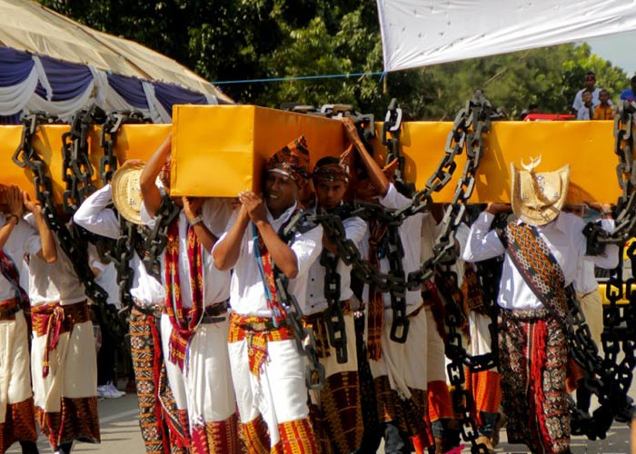 El Pawai Paskah congrega a miles de personas de varios sectores de la región para participar en las procesiones religiosas