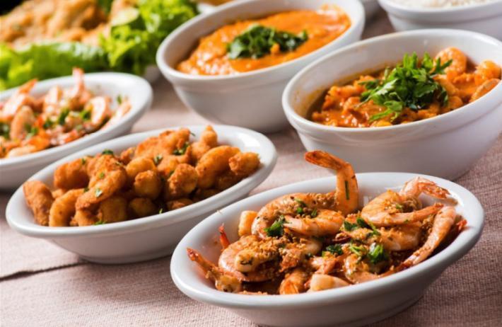 sequência de camarão es un plato típico de la zona que se realiza con productos del mar