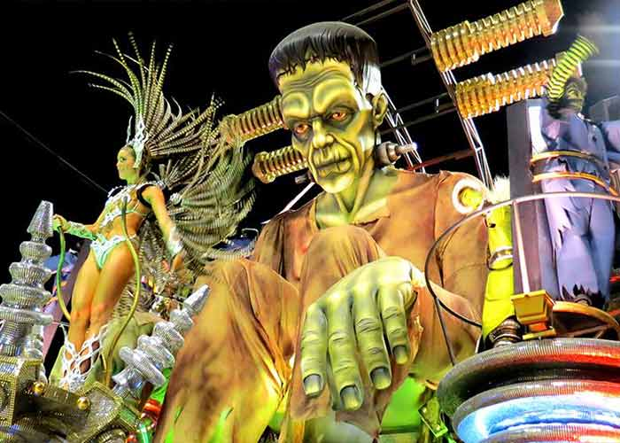 El Carnaval de Gualeguaychú cuenta con increíbles carrozas temáticas de gran tamaño