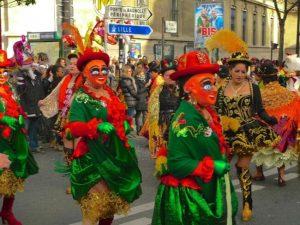El Carnaval de París es una celebración divertida en la capital del país